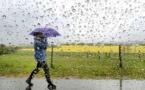 طقس يوم غد الجمعة.. زخات مطرية واستمرار لانخفاض درجة الحرارة بالريف