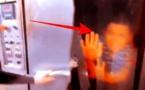 """فيديو صادم.. شابان وضعا طفلا داخل فرن وصوراه بحثا عن """"البوز"""" والأمن يتدخل"""