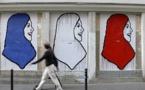 حزب ماكرون يمنع امرأة من الترشح للانتخابات بسبب الحجاب