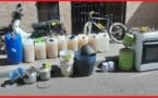 الناظور.. أمن بني انصار يوقف ثلاثة أشخاص متلبسين ببيع الخمور المقطرة بشاطئ بوقانة