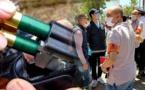 مجزرة جديدة.. خمسيني ينهي حياة زوجته وابنته رميا بالرصاص من بندقية صيد