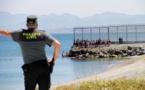 مستغلين فرصة نادرة.. شبان مغاربة يصلون إلى سبتة المحتلة سباحة