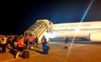"""بمتعليمات من الملك.. طائرة المنتخب الوطني تقلع من مطار """"كوناكري"""" في اتجاه المغرب"""