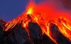 السلطات الإسبانية تفقد السيطرة على الحمم البركانية بجزر الكناري