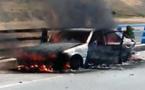 بالفيديو.. ناظوري تحترق سيارته كاملة بطريق واد ملال والدرك غائب عن الإغاثة
