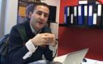 الصحفي الحموتي محمد يفتح النقاش حول الملكية بإذاعة المنار ببلجيكا
