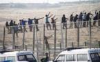 المئات من المهاجرين الأفارقة يقتحمون سياج مليلية وعنصر من الحرس المدني الإسباني يًصاب بكسور