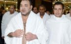 شاهدوا.. الملك محمد السادس يؤدي مناسك العمرة