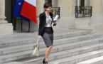 """لأول مرة بفرنسا.. الريفية نجاة بلقاسم وزيرة للتعليم العالي في حكومة """"فالس"""" الجديدة"""