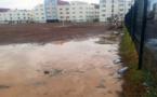 بعد التّساقطاتُ المطريّة المهمّة بالنّاظور.. فرقٌ رياضيّة تتفاجأ بتحوّل ملعب الشّبيبة إلى برك مائية عائمة