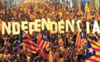 """المحكمة الدستورية الإسبانية  """"تٌجَمَّدُ"""" استفتاء استقلال كتالونيا وسط احتجاجات حادة"""