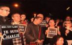 """الصحفيّين والمثقفين المغاربة في وقفة تضامنيّة مع ضحايا """"شارلي إيبدو"""" بالرّباط"""