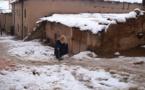 قرى الرّيف والأطلس تعيش تحت حصار الثلوج والساكنة تنتظر من ينقدها