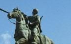ريفيون يطالبون بانشاء تمثال لعبد الكريم الخطابي بالحسيمة