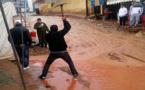 الامطار تغرق بلدة كرونة في الوحل و السيول تحاصر ممتلكات المواطنين