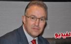 الريفي أحمد بوطالب عمدة روتردام يذيع نشرة إخبارية تلفزية بالدارجة المغربية من هولندا