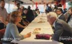 """مائدة إفطار بحضور مغاربة وعامل """"نوردفاي"""" الهولندية إشعاعا لثقافة التعايش بين الأديان"""