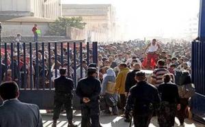 احتجاج عارم بمعبر مليلية بعد منع السلطات الإسبانية دخول المغاربة إلى أراضيها المحتلة لهذا السبب
