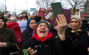 مغاربة الخارج يستنكرون بشدة إقصائهم من المشاركة في العملية السياسية ويتوعدون بالتصعيد