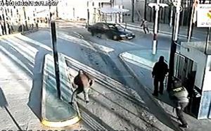 سيارة تخترق بوابة مليلية بطريقة انتحارية وتسفر عن إصابة شرطي