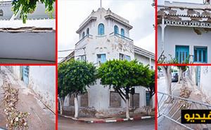 """بلدية الناظور تُسيِّج """"البناية الاستعمارية"""" بعد تساقط أجزائها في انتظار انهيارها الكامل بدل جعلها مأثرا تاريخيا"""