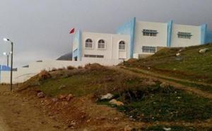"""ورثة """"بوجعادة"""" بأركمان يطالبون وزير الداخلية بإنصافهم بعد تشييد """"مدرسة"""" فوق عقارهم بشفشاون"""