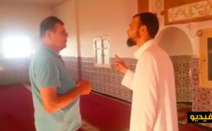 """مواطن فرنسي يعلن إسلامه بأحد مساجد """"جزيرة المهندس"""" بالناظور"""
