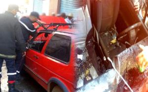 الدريوش.. اشتعال النيران في سيارة بداخلها طفل والألطاف الإلهية تحول دون وقوع كارثة