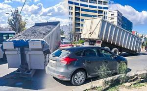 الألطاف الإلهية تحول دون وقوع كارثة بالناظور اثر انفصال رأس شاحنة محملة عن عربته