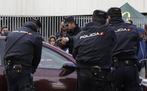 سرقا 115 سيارة.. اعتقال مغربيين بإسبانيا ينشطان بشبكة متخصصة في تهريب العربات بطرق مزورة