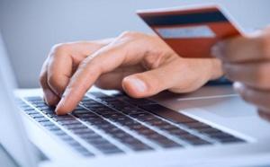 الحكومة تصادق على مشروع تعميم التصريح بالأجر والأجراء  عبر الوسائل الإلكترونية