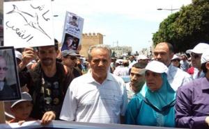 """عائلات معتقلي """"حراك الريف"""" تندد بمقاضاة أحمد الزفزافي وتدعو لتصحيح اختلالات السجون"""