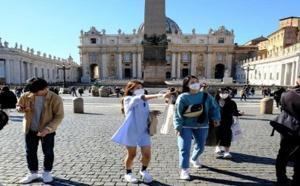 الحكومة الإسبانية تتوقع عودة الحياة إلى بلادها نهاية الشهر الجاري