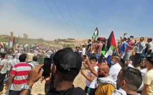 """آلاف الأردنيين """"يزحفون"""" صوب الحدود الفلسطينية لنصرة إخوانهم"""