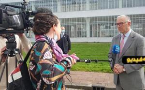 شاهدوا بالريفية.. عمدة روتردام أبو طالب يتلقى الجرعة الأولى من لقاح كورونا ويطالب المواطنين بتلقيه